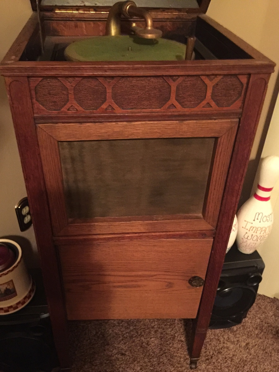 Antique thomas edison victrola unknown year or model for Edison home show
