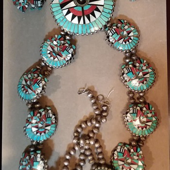 Unknown Native American jewelry set - Native American