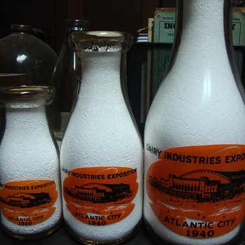 Finding difficult 1/2 pint DAIRY INDUSTRIES EXPOSITION (THATCHER MANUFACTURING CO) completes search......finally!!!! - Bottles