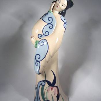 Japanese Lady cermaic statue made in California - Pottery