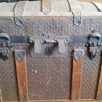 trunk I found in the attic - Furniture