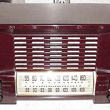 Vintage Emerson Bakelite Radio - Radios