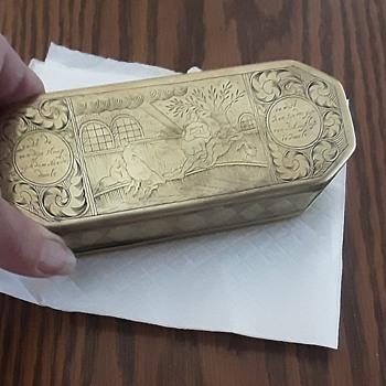 Brass snuff tin. - Tobacciana