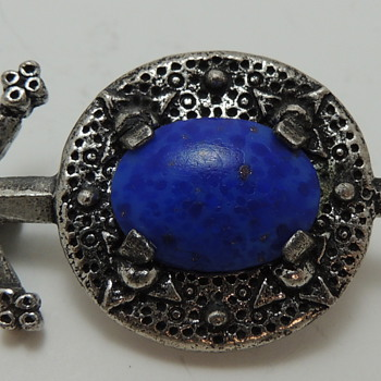 Scottish Pebble Revival Brooch - MIRACLE - Costume Jewelry