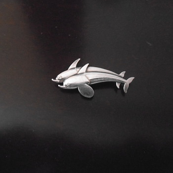 Georg Jensen #317 Double Dolphin brooch - Fine Jewelry