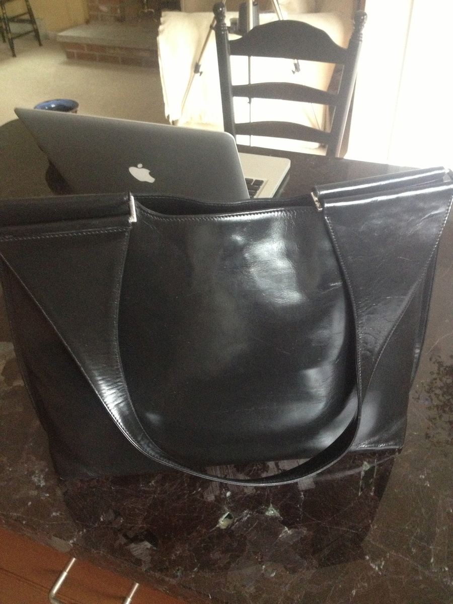 38cf4be758449 My Vintage Gucci black leather bag
