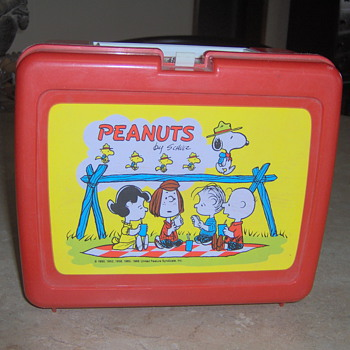 Peanuts 1966 lunch box - Kitchen