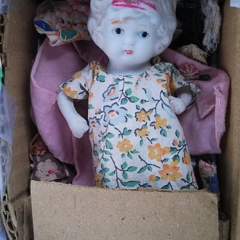 "Sad little ""doll"" - Dolls"