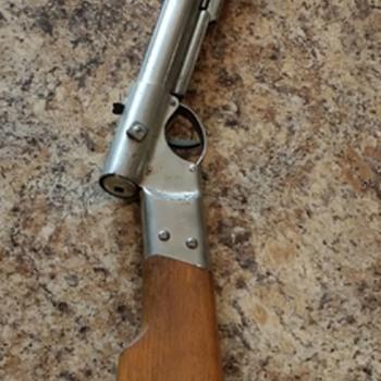 Pre 1900 Quakenbush Air Rifle?