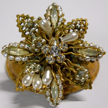 Rare-Original By Robert, Brooch.  < or > c1950 - Costume Jewelry