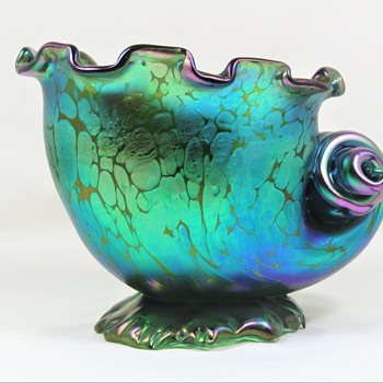 Loetz Creta Papillon Seashell Vase ca. 1900-02 similar to II-2/511 - Art Glass