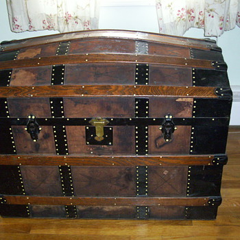 Large Leather Covered Trunk  - Need Restoration Advice - Furniture