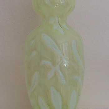 Welz crocus uranium glass vase with abstract flower pattern and splash base - Art Glass