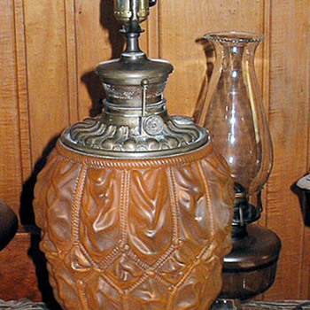 Antique patterned lamp base - info wanted - Lamps