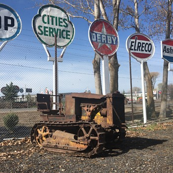 1920s Two Ton Cat Crawler - Signs