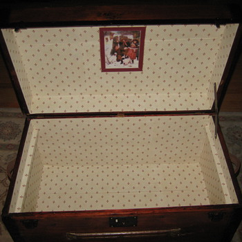 Interior of a Trunk I Posted Earlier - Furniture