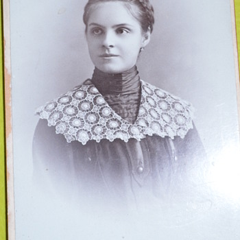 Pretty girl with a nice lace collar photo - very early 1900 - Photographs