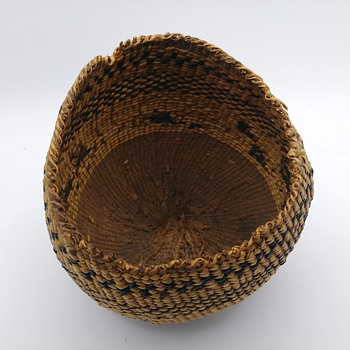 Need help identifying these Native American baskets #5 - Furniture