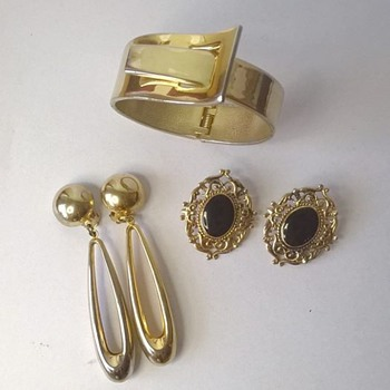 Gold Costume Jewelry (70's?) - Costume Jewelry