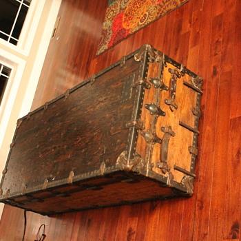 ?? shipping casket ?? - Furniture