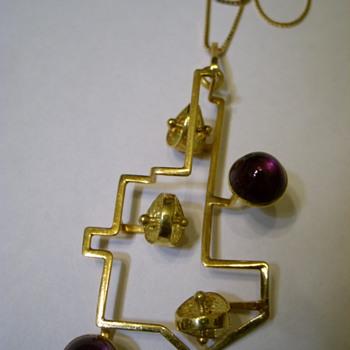 750 - 18k gold & amethyst cabochons Modernistic Pendant