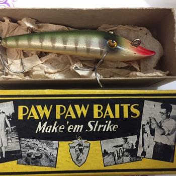 Rare Paw Paw Bait Company 1928 Circa, Glass Eyed Pikaroon In Silver Perch Finish NIB