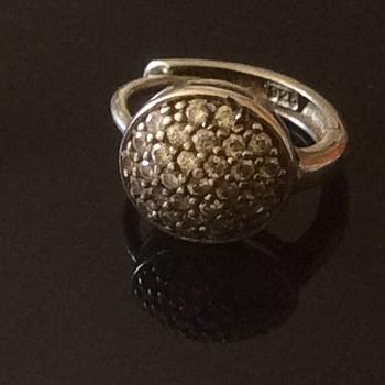 Old silver earring. - Fine Jewelry