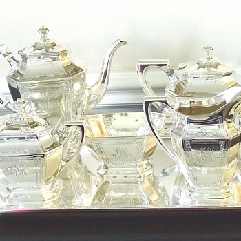 Dauphine Tea Set by Wallace - Silver