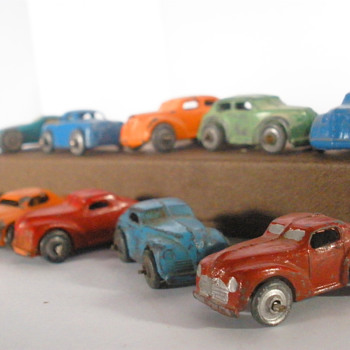 Mixed era Barclay and Japanese Mini-cars. Tinplate and lead.  - Model Cars