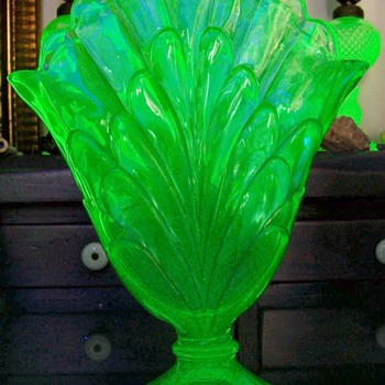 Central Glass #1820 Fan Vase - Glassware