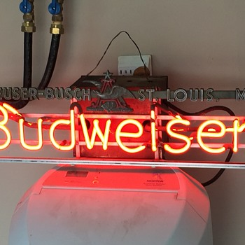 1950s Budweiser Neon sign. Still works