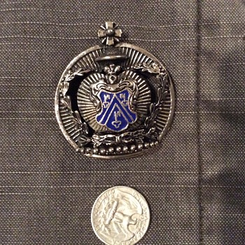 Unknown pin - Medals Pins and Badges