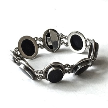 Vintage Art Deco Sterling Silver and Onyx link bracelet