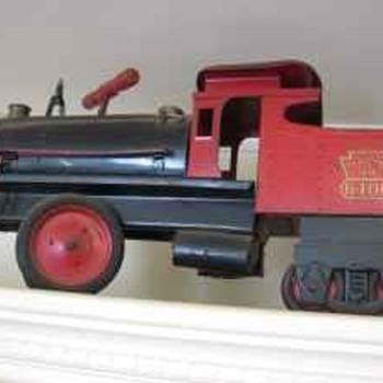 "KEYSTONE ""RIDE 'EM"" LOCOMOTIVE, 1950's METAL TOY - Model Trains"