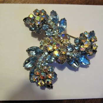 DeLizza & Elster Light Blue Swirl Brooch  - Costume Jewelry