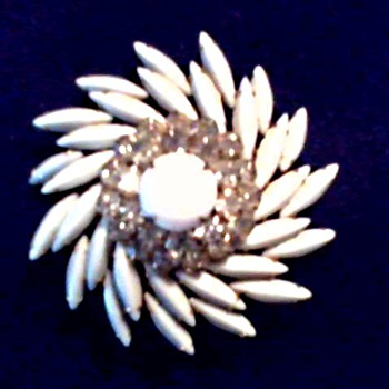 """Judy Lee"" Milk Glass ""Navette"" and Rhinestone Brooch-Pendant/ Circa 1950-60 - Costume Jewelry"