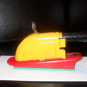 Need Help Identifying this cannon toy - Toys