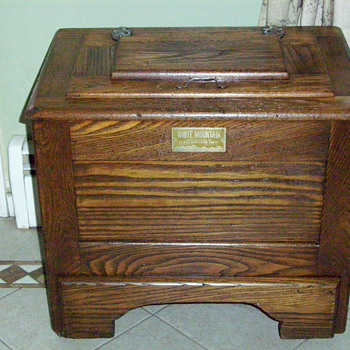 Antique Small Oak Ice Chest - Lift Top - Kitchen