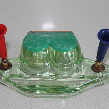Vintage Japanese glass ink well - Pens