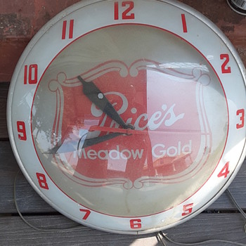 1950s Prices Meadow Gold Dairy Clock - Advertising