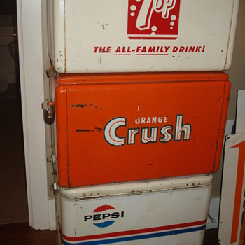 VINTAGE SODA METAL COOLERS 7-UP, CRUSH & PEPSI. VERY COOL! - Advertising