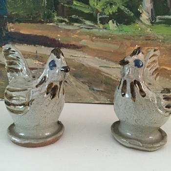 Jugtown Charlie Moore Chicken/Rooster salt and pepper shakers
