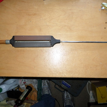 What is it old sharpening tool  - Tools and Hardware
