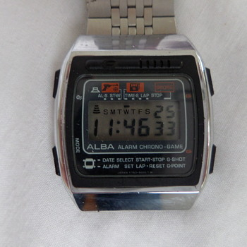 ALBA Y760-5000 game watch - Wristwatches