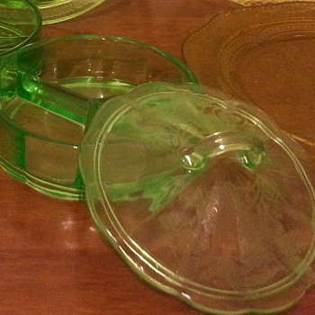 Green depression candy dish?...hocking?? - Glassware