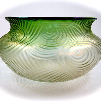 Loetz Spiraloptisch - Zen and the Art of Glass - Art Glass