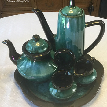 "Blue Mountain Pottery, ""Aladdin"" Tea & Coffee Set — Green Drip - Pottery"