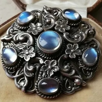 Moonstone brooch ? 1930s - Fine Jewelry