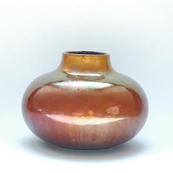 a rare lustre pottery vase attr.  to  LEON ELCHINGER - Art Nouveau