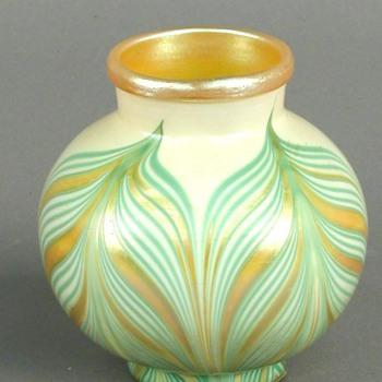 Kew Blas Vase c. 1900 - Art Glass